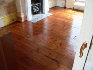 Hand coloured and shellacked wide board Georgian pine floor